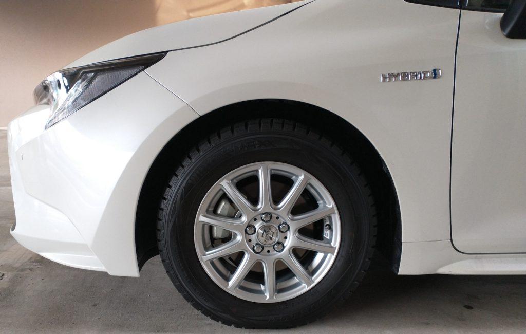 トヨタ カローラ ツーリング スタッドレスタイヤ ホイール